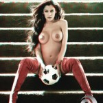 Larissa-Riquelme-topless-3D-playboy